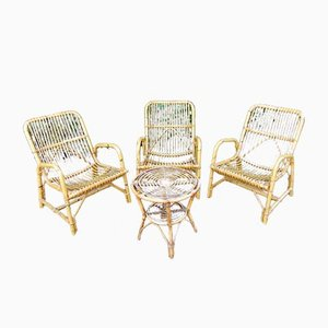 Tavolino vintage in bambù e vimini con sedie da giardino, anni '70