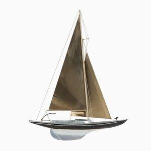 Rennsegelboot Skulptur aus Messing von Curtis Jere, 1990er