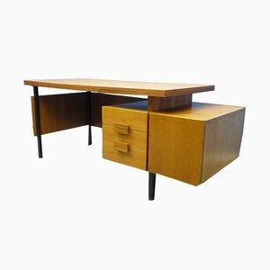 Mid-Century Schreibtisch aus Nussholz, 1960er