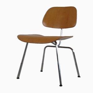 Club chair di Charles & Ray Eames, inizio XXI secolo