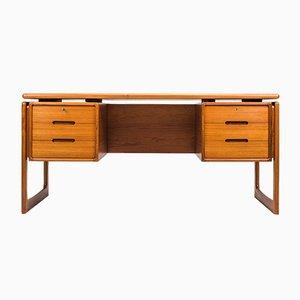 Vintage Schreibtisch aus massivem Teak von Dyrlund, 1960er