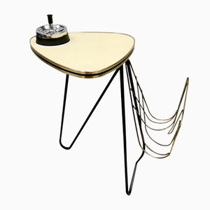 Mesa auxiliar trípode vintage con cenicero y revistero, años 50