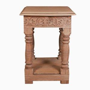 Table d'Appoint d'Époque en Chêne Sculpté
