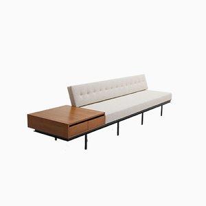 Sofá Mid-Century con mesa auxiliar de madera de Florence Knoll Bassett para Knoll Inc. / Knoll International, años 50