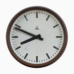 Horloge Murale en Bakélite de Pragotron, années 60