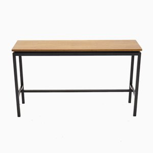 Tavolino minimalista in metallo e teak, Paesi Bassi, anni '60