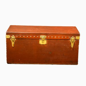 Cajonera vintage en rojo de Louis Vuitton, años 20
