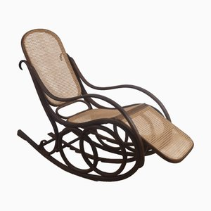 Rocking Chair No. 4 Vintage par Michael Thonet pour Gebrüder Thonet Vienna GmbH