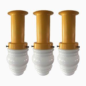 Lámparas colgantes danesas de opalina, años 60. Juego de 3