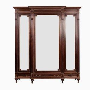 Armario francés antiguo de tres puertas y espejo