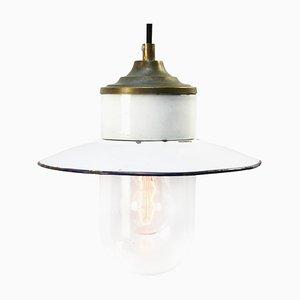Lampada industriale vintage in ottone smaltato bianco, porcellana e vetro trasparente