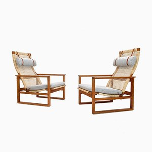 Dänische Eichenholz & Schilfrohr Modell 2254 Sled Sessel von Børge Mogensen für Fredericia, 1950er, 2er Set
