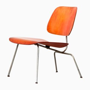 Sedia da pranzo LCM in anilina rossa di Charles & Ray Eames per Evans, anni '40