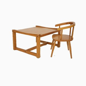 Juego de mesa y sillas infantiles holandesas, años 50. Juego de 2