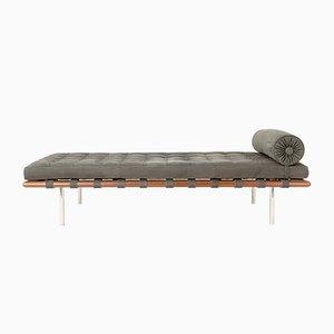 Sofá cama de Ludwig Mies van der Rohe para Knoll, años 2000