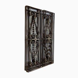 Rejillas de ventana o de puerta antiguas de hierro forjado. Juego de 10