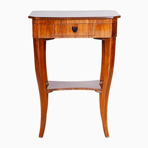 Small 19th Century Biedermeier Austrian Walnut Side Table, 1810s