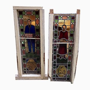 Ventanas de vitral inglesas antiguas con decoración masónica. Juego de 2