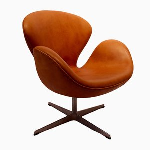 Sedia nr. 3320 Swan di Arne Jacobsen per Fritz Hansen, 2003