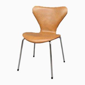 Sedia da pranzo nr. 3107 in pelle di Arne Jacobsen, anni '80
