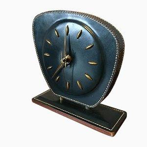 Horloge de Table ou de Bureau Mid-Century en Cuir Surpiqué par Jacques Adnet