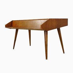 Deutscher Schreibtisch aus Nussholz, 1960er