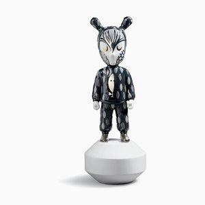 Small The Guest Figurine von Rolito