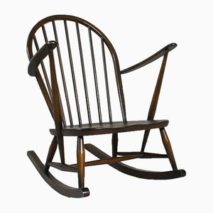 Rocking Chair Windsor No. 470 par Lucian Ercolani pour Ercol, 1960s