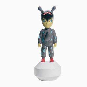 Kleine The Guest Figurine von Tim Biskup