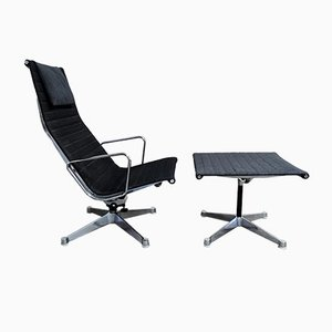 EA124 Lounge Chair & EA125 Ottoman by Charles & Ray Eames for Herman Miller, 1970s