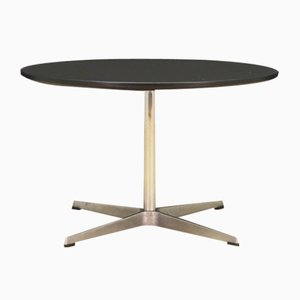 Danish Aluminum and Chrome Plated Round Coffee Table by Arne Jacobsen for Fritz Hansen