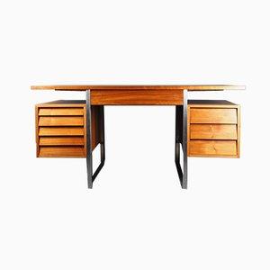 Dänischer Nussbaum Schreibtisch von Merrow Associates, 1960er