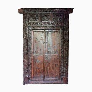 Indische Eingangstür und Gestell aus geschnitztem Holz, 19. Jh