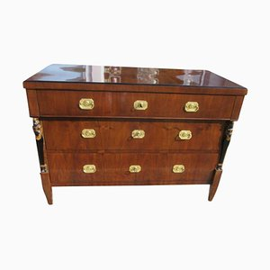 Biedermeier Walnut Commode, 1830s