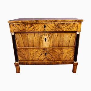Biedermeier Walnut Chest of Drawers, 1840s