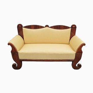 Antikes gebogenes gebogenes portugiesisches Biedermeier Walnuss Sofa