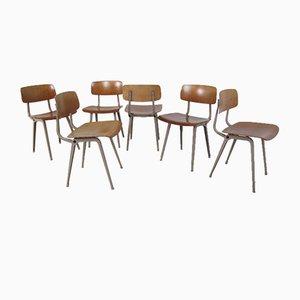 Industrielle Vintage Metall & Holz Revolt Stühle von Friso Kramer für Ahrend De Cirkel, 1950er, 6er Set