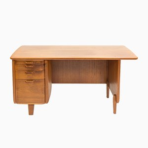 Mid-Century Scandinavian Oak Desk by Gunnar Ericsson for Atvidabergs