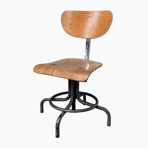 Kleiner Industrieller Stuhl