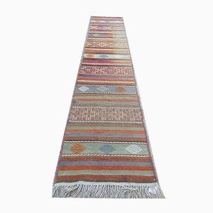 Türkischer schmaler Vintage Shabby Chic Kelim Läufer Teppich