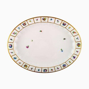 Hand-Painted Porcelain Oval Henriette Serving Dish from Royal Copenhagen, 20th Century