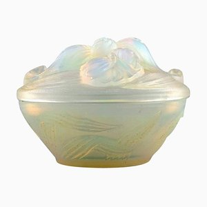 Art Deco Bonbonniere or Powder Pot in Opalescent Glass by Etling, 1930s