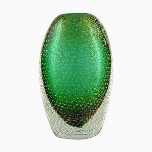 Italienische Murano Vase aus mundgeblasenem grünem Glas mit Blasen, 1960er