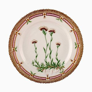Flora Danica Lunch Plate Number 20/3550 from Royal Copenhagen