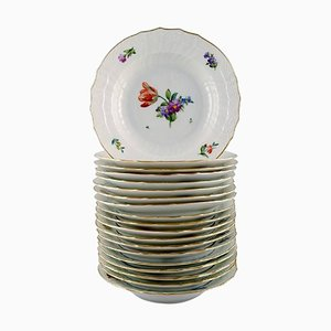 Deep Copenhagen Light Saxon Flower Flower Plates, Set of 19