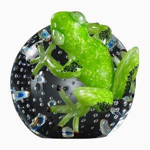 Skulpturale Kugel mit grünem Frosch von VGnewtrend