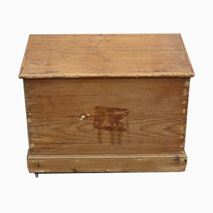 Small Antique Country Pine Trunk with Key, 1910s