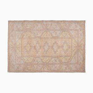 Großer türkischer Vintage Ouskalk Teppich