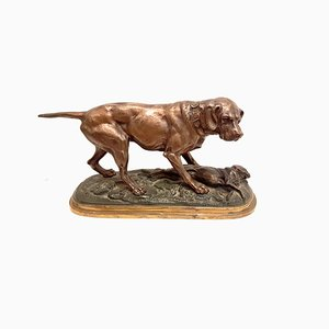 Escultura de perro de caza francesa de bronce atribuida a Pierre-Jules Mêne, década de 1890