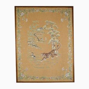 Tapiz bordado antiguo asiático de seda de un tigre cazando un ciervo, década de 1890